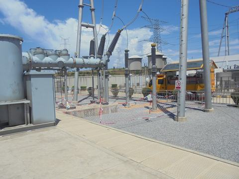 GCB Gas-insulated switchgear re-use Siemens